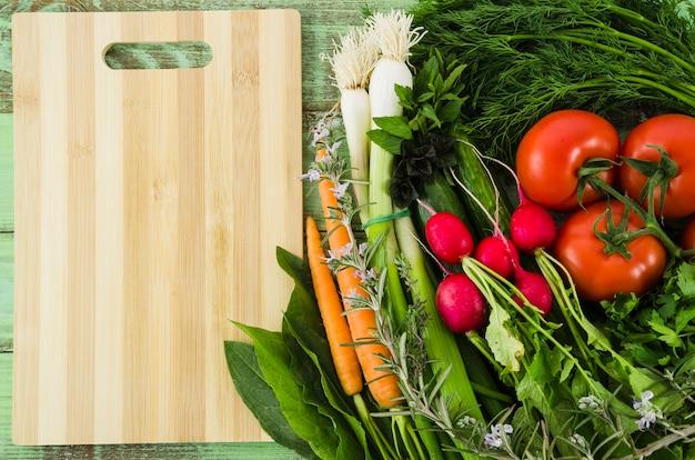 Gesunde zutaten in einem salat enthalten