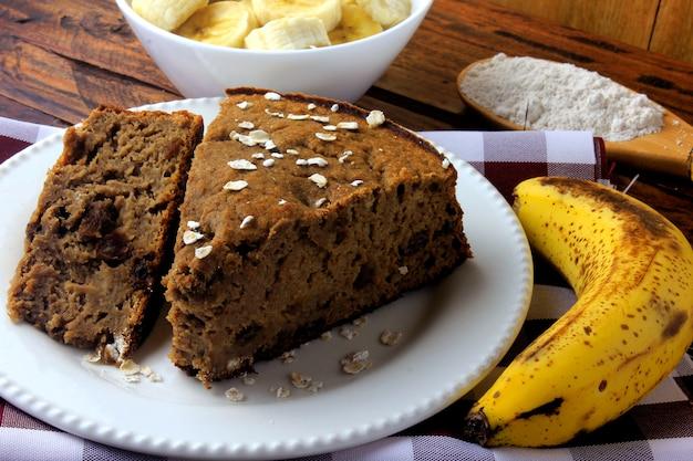 Gesunder selbst gemachter bananenkuchen