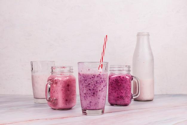 Gesunder smoothie auf tabelle