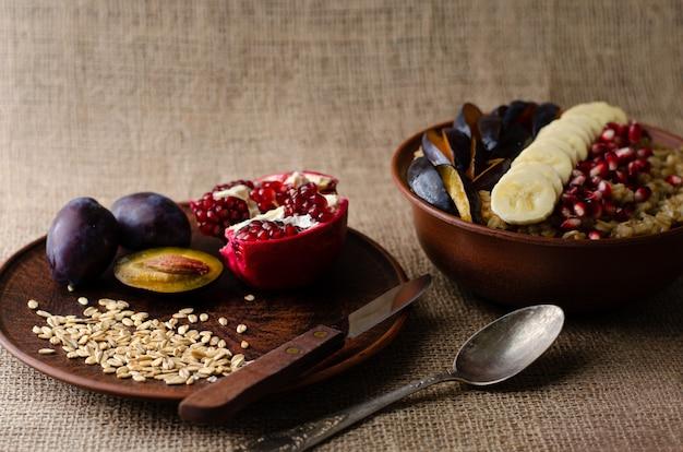 Gesundes ausgewogenes frühstück
