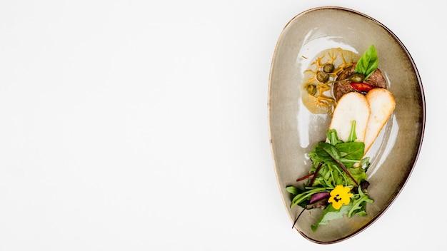 Gesundes bruschetta-essen in flacher lage