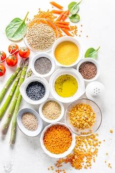 Gesundes essen mit gesunden zutaten
