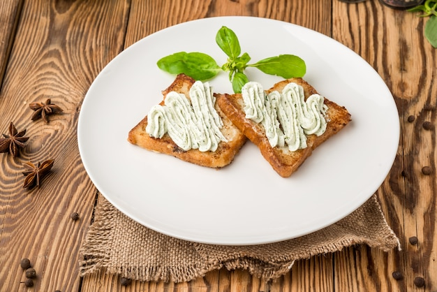 Gesundes essen schönes und leckeres essen auf einem teller