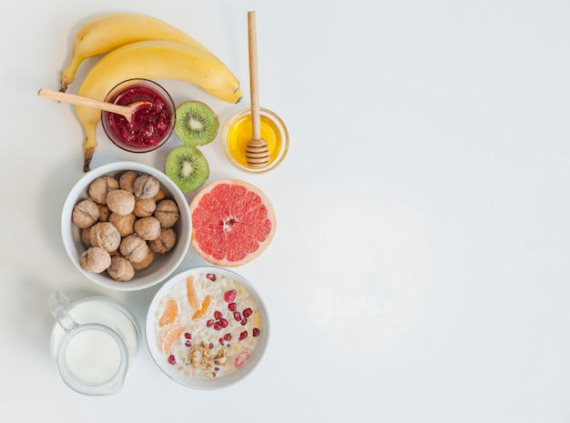 Gesundes frühstück der draufsicht