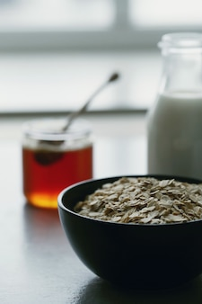Gesundes haferflocken zum frühstück