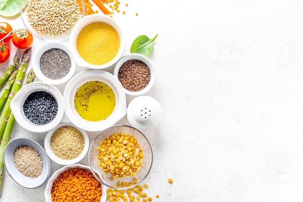 Gesundes lebensmittelkonzept mit gesunden bestandteilen