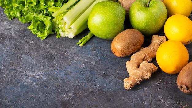 Gesundes nahrungsmitteloberflächengewichtsverlustkonzept. ansicht von oben.