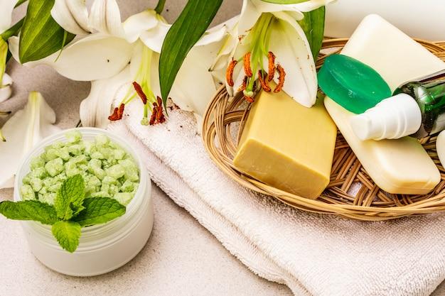 Gesundes und schönheitsbadekurort-blumenkonzept