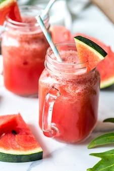 Gesundes Wassermelonenschütteln-Sommerrezept