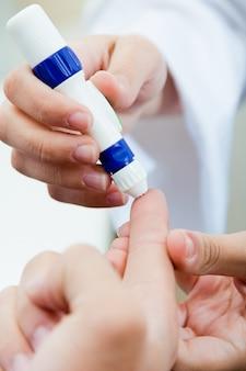 Gesundheitswesen analyse zucker diabetes leidende menschen