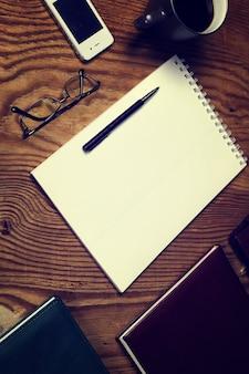 Getönte tabelle schreiben hand draufsicht
