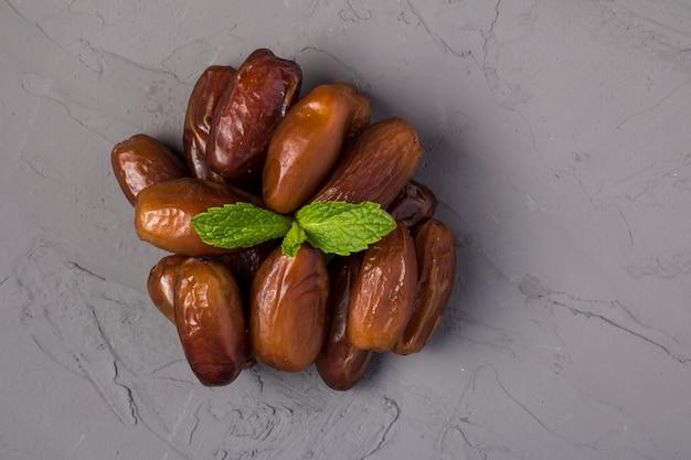 Getrocknete dattelfrüchte oder kurma