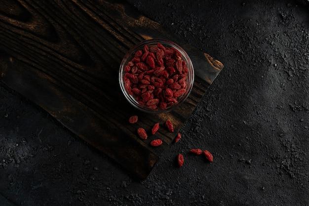 Getrocknete goji-beeren, um den stoffwechsel zu normalisieren, antioxidans. nützlich für die gesundheit