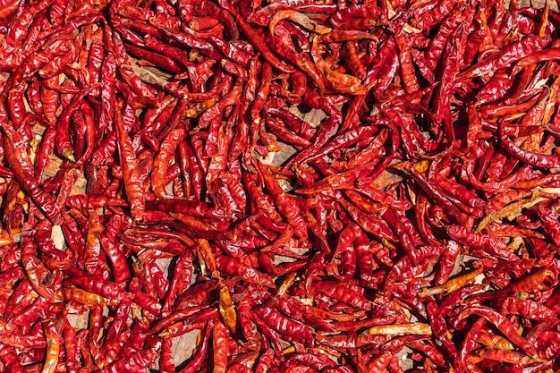 Getrocknete rote heiße chilischoten muster textur hintergrund. hintergrund, nahaufnahme stockfoto