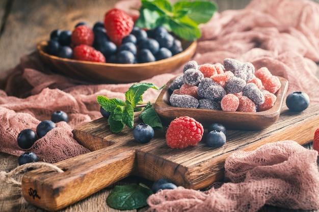 Getrocknete und kandierte früchte