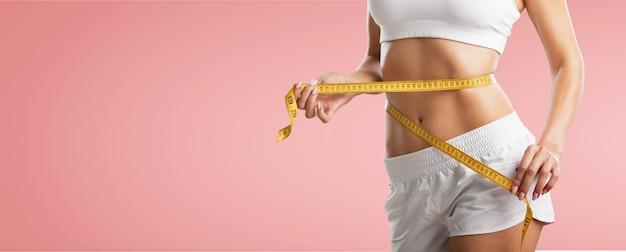 Gewichtsverlust, schlanker körper, gesundes lebensstilkonzept