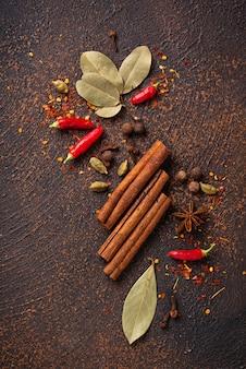 Gewürze masala zum kochen indischer gerichte