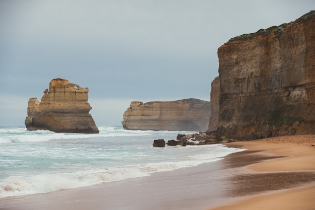 Gibson schritt in port campbell auf der great ocean road, victoria, australien.