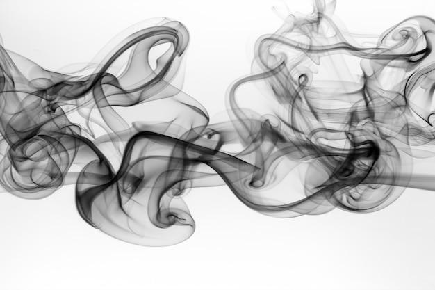 Giftige bewegungszusammenfassung auf weißem hintergrund, schwarzer rauch auf weiß