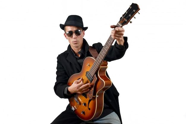 Gitarrist spielen