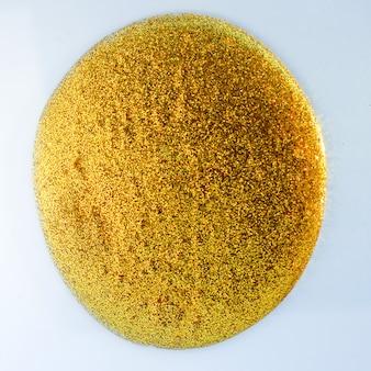 Glänzend gelber hintergrund. abstrakte elegante goldglitterpartikel fließen. urlaubsmagie