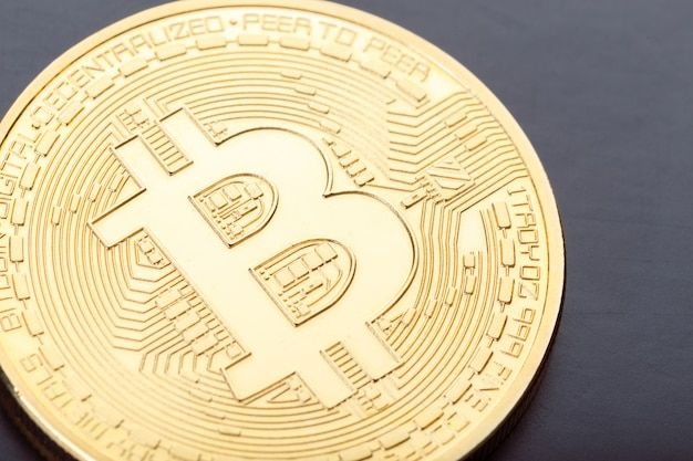 Glänzend goldenes bitcoin