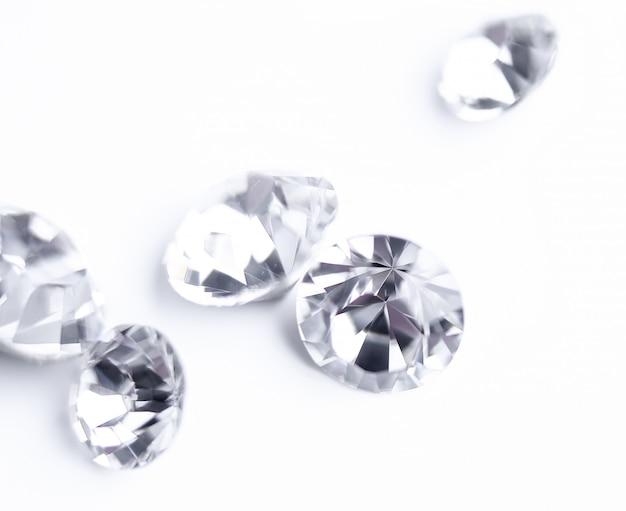 Glänzende ausdrucksstarke diamanten