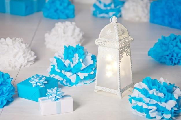 Glänzende dekorative lampe
