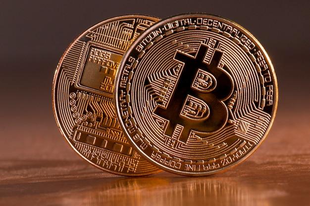 Glänzende goldene bitcoins