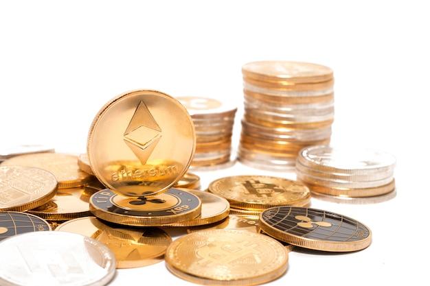 Glänzende krypto-währungsmünzen