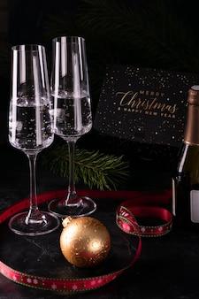 Gläser champagner am silvesterabend Premium Fotos