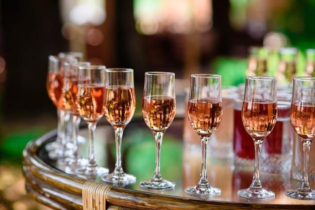 Gläser, cocktails