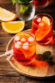 Gläser eines cocktails