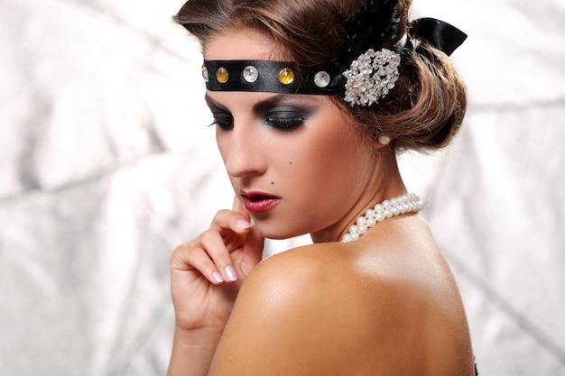 Glamour lady schau runter