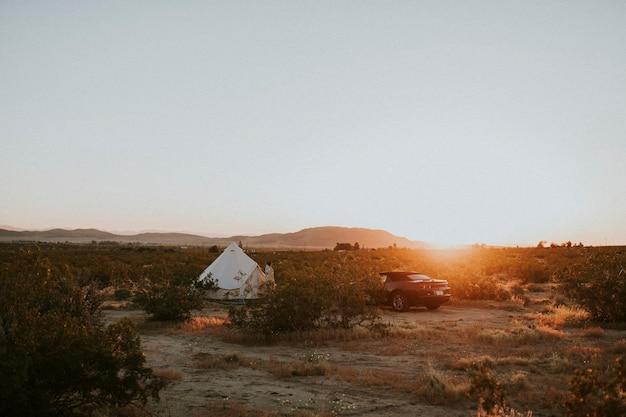 Glamping in der kalifornischen wüste