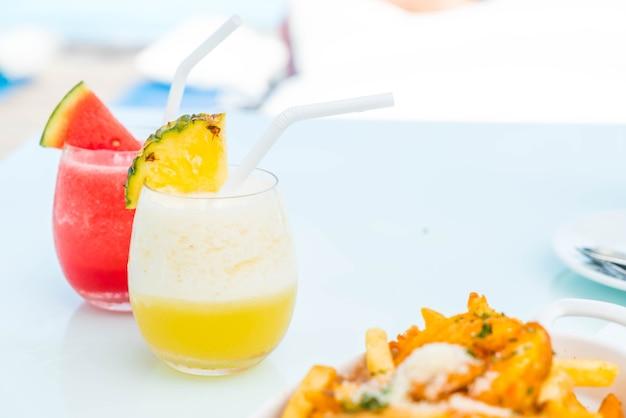 Glas ananas smoothies