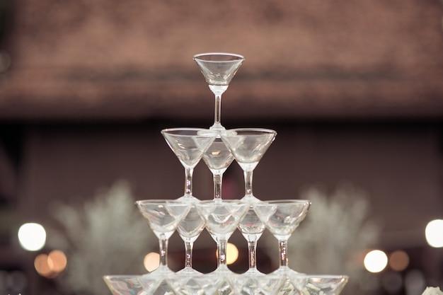 Glas champagner für ereignisparty oder hochzeitszeremonie