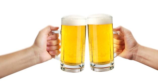 Glas eines bieres in der hand getrennt