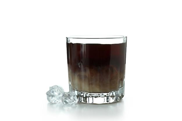 Glas eiskaffee isoliert auf weiss