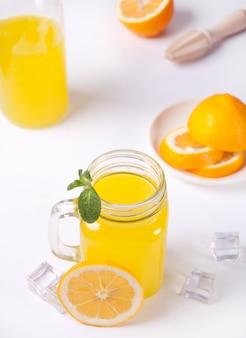 Glas frische limonade