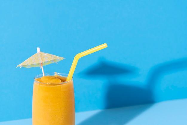 Glas mango-smoothie