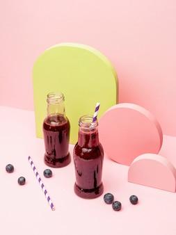 Glas mit frischen trauben smoothie