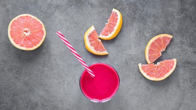 Glas mit grapefruitsmoothie