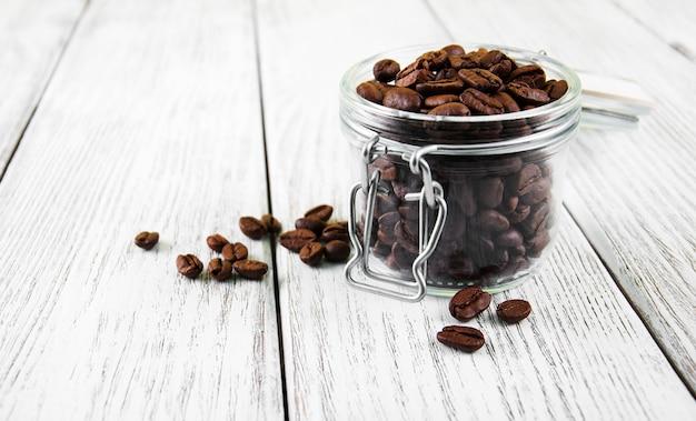 Glas mit kaffeebohnen