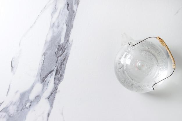 Glas transparente teekanne