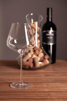 Glas weinespritflaschen und -korken