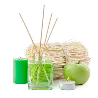 Glasflasche im raum riechen grüne chemikalie