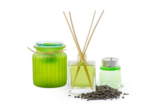 Glasflasche in der grünen chemikalie des raumgeruchs