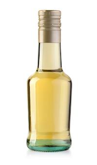 Glasflasche isoliert auf weiss mit beschneidungspfad trinken Premium Fotos