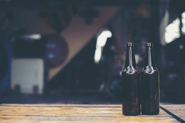 Glasflaschen bier.